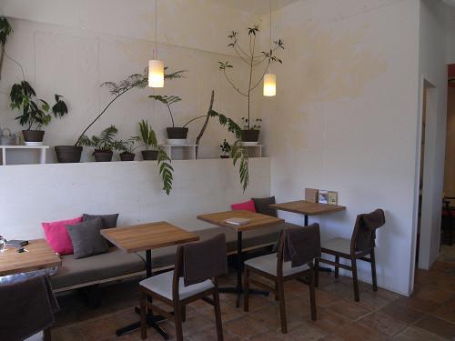 緑いっぱいの素敵カフェ『いつか森になるカフェ』@奈良市
