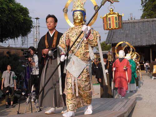 當麻寺『練供養会式』の美しい衣装の画像など@葛城市