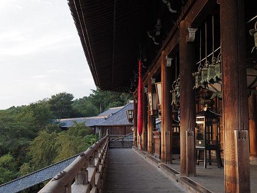 【写真】東大寺二月堂の夕暮れ-05