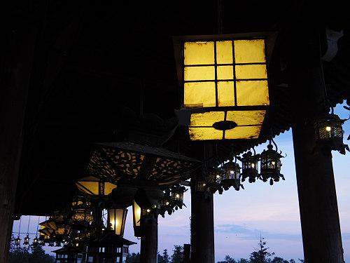 【写真】東大寺二月堂の夕暮れ-12