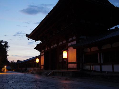 【写真】東大寺二月堂の夕暮れ-17