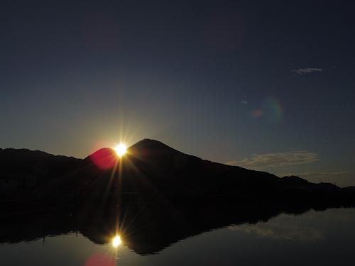 二上山の間に沈む夕陽@千股池(香芝市)-05