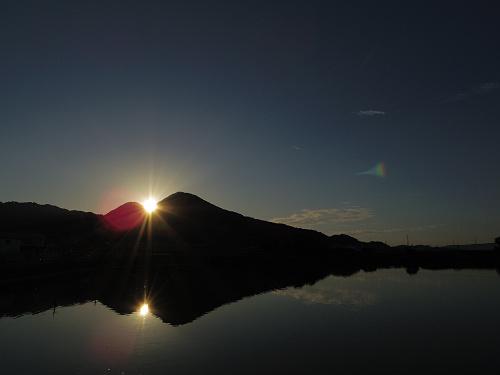 二上山の間に沈む夕陽@千股池(香芝市)-08