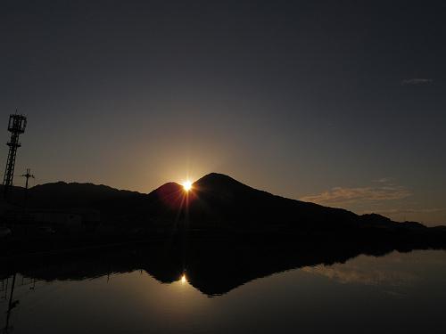 二上山の間に沈む夕陽@千股池(香芝市)-09