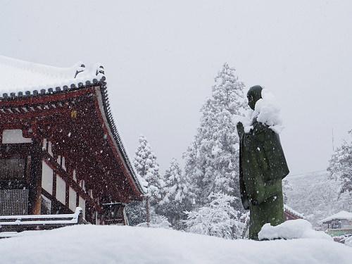 當麻寺の雪景色(西南院)-02