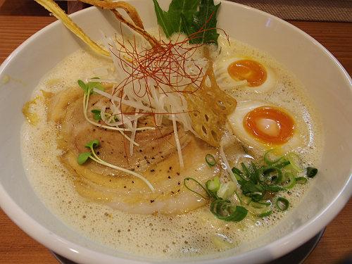 豚も魚だしも絶妙!まろやかラーメン『ふじ門製麺』@奈良市