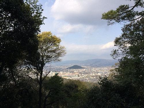 初期の天皇陵に畝傍山登山など『橿原神宮ぶらぶらジョグ』
