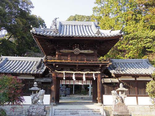 楼門にプロペラ!『矢田坐久志玉比古神社』@大和郡山市