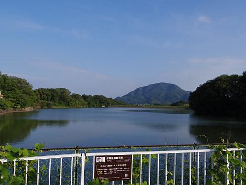 『二上山を眺望できる旗尾池湖畔』@香芝市-02