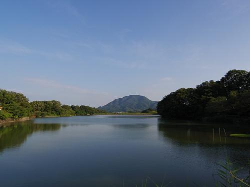 『二上山を眺望できる旗尾池湖畔』@香芝市-04