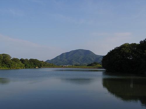 奈良県景観資産『二上山を眺望できる旗尾池湖畔』@香芝市