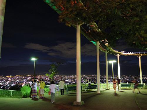 『生駒山上遊園地』から眺める大阪の夜景が見事!@生駒市