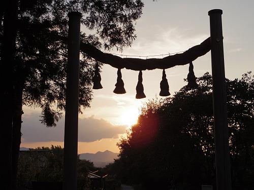 檜原神社と井寺池からの夕陽@桜井市-04