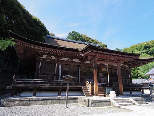 国宝「本堂」の軒反りが美しい『長弓寺』@生駒市