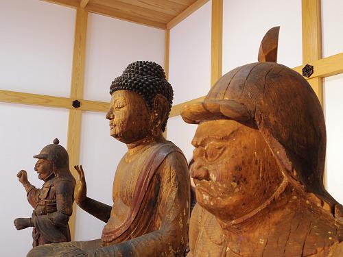 穏やかな釈迦如来坐像など三尊を祀る『永豊寺』@天川村