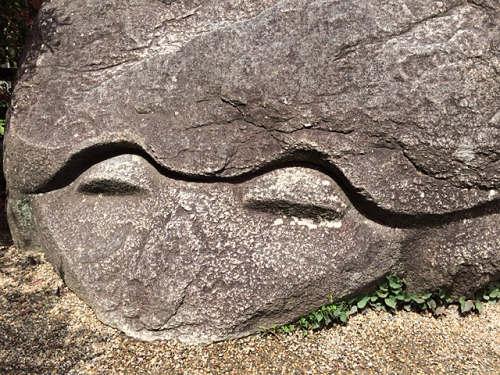 亀石・猿石など。飛鳥の不思議な「石造物」たち@明日香村