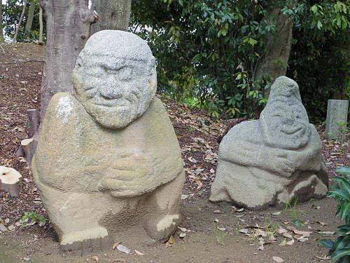 飛鳥の石造物「猿石」-09