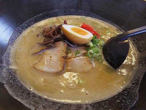 食べ飽きないまろやかとんこつラーメン『喜MAMA屋』@香芝市