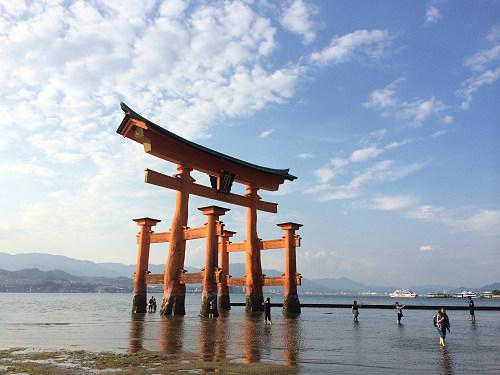干潮の『厳島神社』大鳥居。牡蠣と穴子も!@広島県