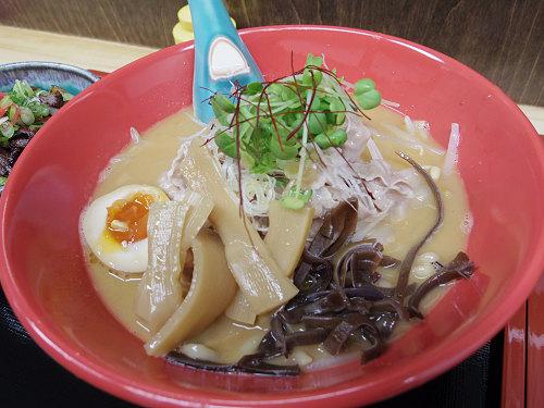 野菜の甘みたっぷりのスープともっちり太麺の『麺や 朱夏』@奈良市