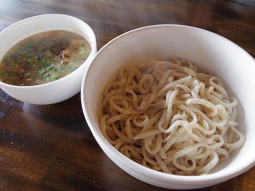 新鮮ミルクのつけ麺と硬い最強プリン!『酪農カフェ 酪』@葛城市