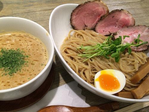 行列が絶えないつけ麺の超人気店『アノラーメン製作所』@富雄