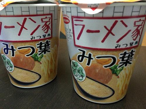奈良の人気店のカップ麺『ラーメン家 みつ葉』豚CHIKIしょうゆ