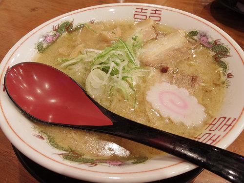 朝まで営業!穏やかとんこつ醤油『豚まるラーメン』@奈良市(新大宮)