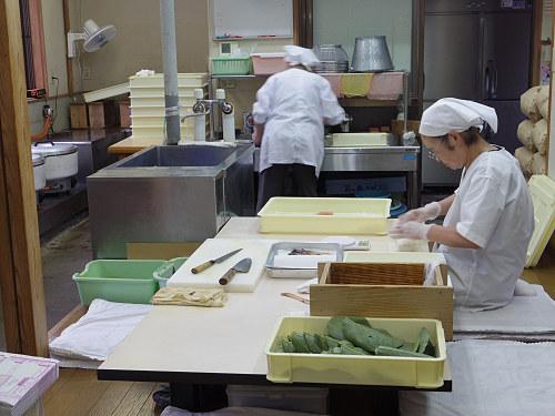 昔ながらの「塩〆製法」の柿の葉寿司『大滝茶屋』@川上村