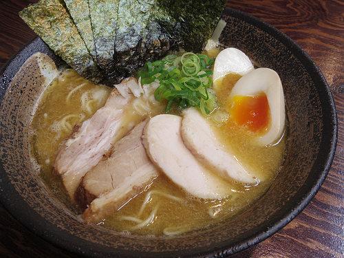 濃厚な煮干し鶏白湯ラーメン『長田屋』@奈良市