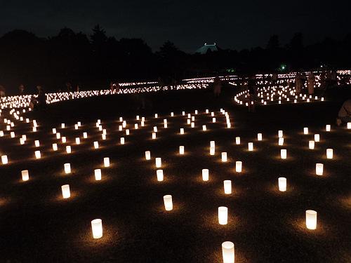 約2万本のろうそくの灯りが揺れる『なら燈花会2017』