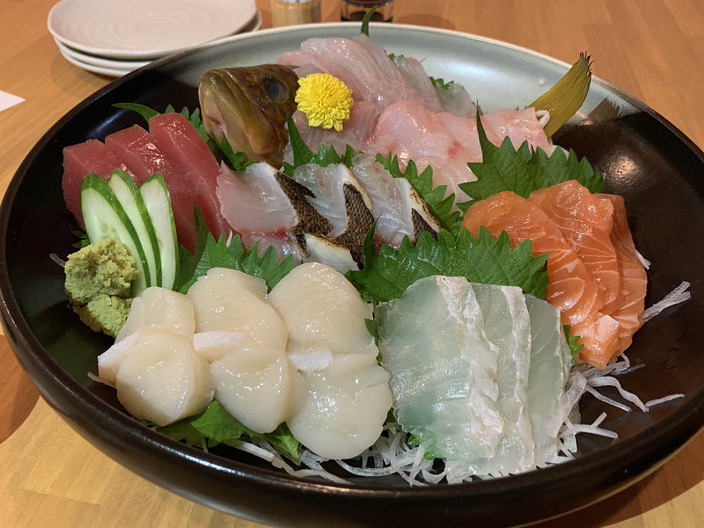 魚屋が夜は海鮮居酒屋に!お刺身が絶品『魚智水産』@奈良市