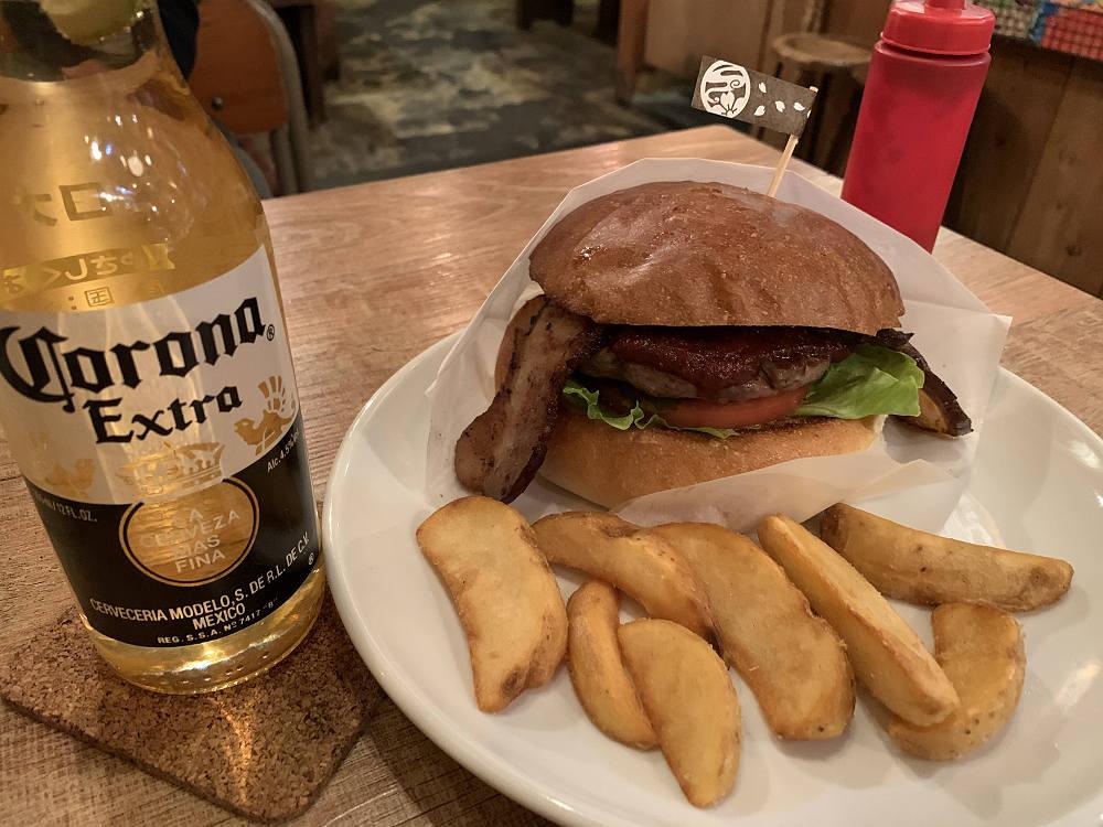 絶品ハンバーガーにコロナビールを!『さくらバーガー』@奈良きたまち