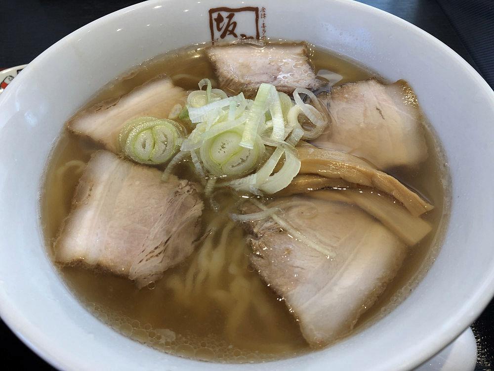 縮れた平打ち麺がいい!『喜多方ラーメン坂内』@大和高田店