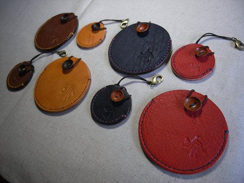 【鹿野堂】SDカード用の革製キーホルダー『SDカードケース』-06