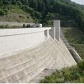 まだ新しくシンプルで美しいダム『岩井川ダム』@奈良市