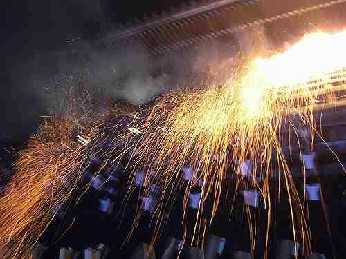 東大寺「お水取り」で火の粉を浴びました!